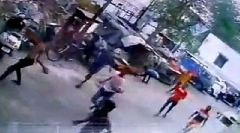 Dhulvad-fights-in-Pune